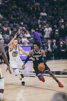 Sacramento Kings Photo Gallery | Sacramento Kings Basketball Leagues, Sports Basketball, Basketball Players, Nba Pictures, Nba League, Nba Fashion, King Photo, Nba Wallpapers, Sacramento Kings