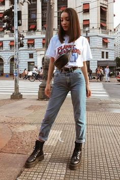 Street Style Outfits, Indie Outfits, Retro Outfits, Cute Casual Outfits, Stylish Outfits, Stylish Jeans, Sporty Outfits, Outfit Jeans, Mom Jeans Outfit Summer