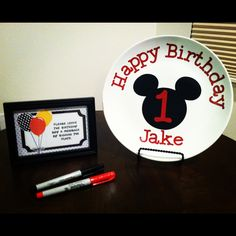Mickey Mouse 1st Birthday, Cricut, vinyl, Mickey and Friends, birthday plate