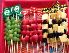 Simple Superhero Party Food Ideas You Can Make In birthday boy party ideas. More in my web site Simple Superhero Party Food Ideas You Can Make In Minutes superhero party food Tinley's BD. Superman Party, Superhero Party Food, Superhero Baby Shower, Batman Party Foods, Batman Food, Superhero Treats, Superman Baby Shower, Marvel Baby Shower, Superhero Party Invitations