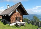 KLASSISCHE ALMHÜTTE Style At Home, Cabin, House Styles, Winter, Home Decor, Luxury, Vacation, Winter Time, Decoration Home