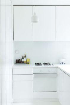 Cocinas para pisos peque os on pinterest small kitchen - Cocinas muy pequenas ...