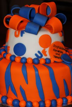 UF Gator Cake :) I want this for my 11th bday!! Instead of it saying congrats to Samantha and James I would want it to be Happy 11th birthday Ashtyn!! I am going to keep looking for bday cakes to see if I find one cuter
