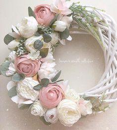 Diy Spring Wreath, Pink Wreath, Floral Wreath, Wreath Crafts, Flower Crafts, Felt Flowers, Diy Flowers, Easter Wreaths, Christmas Wreaths