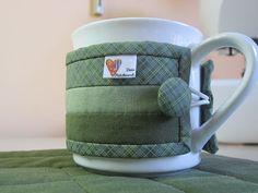 Deia Patchwork: protetor de caneca, Kit tapetinho para chá (Mug Rug) http://www.facebook.com/DeiaPatchwork http://deiapatchwork.blogspot.com