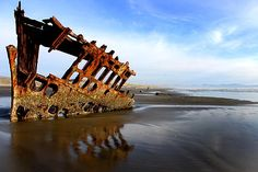 101 Things to See and Do on the Oregon Coast-#6 The Wreck of the Peter Iredale