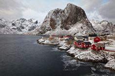 """Red & White"". Photography by Sergio Sartorelli - Norway."
