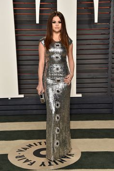 Selena Gomez Brings the Wow Factor to Oscars 2016 After Party!: Photo Selena Gomez looks as fashionable as ever at the Vanity Fair 2016 Oscars party held at the Wallis Annenberg Center for the Performing Arts on Sunday (February Selena Gomez Trajes, Selena Gomez Fotos, Selena Gomez Outfits, Selena Gomez Pictures, Selena Gomez Style, Celebrity Red Carpet, Celebrity Dresses, Celebrity Style, Celebrity Gossip