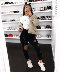 Los outfits con jeans más bonitos que hayas visto.