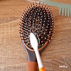 Καθαρίστε τις βούρτσες των μαλλιών σας σε 4 βήματα Hair Beauty, Tips, Cute Hair, Counseling