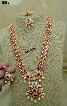 How To Clean Gold Jewelry With Baking Soda 1 Gram Gold Jewellery, Ruby Jewelry, Gold Jewellery Design, Beaded Jewelry, Diamond Jewelry, Gold Jewelry Simple, Jewelry Patterns, Rakhi, Baking Soda
