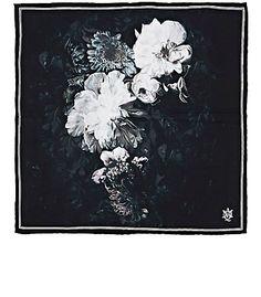Alexander McQueen Floral-Print Silk Pocket Square - Pocket Squares - 504794508