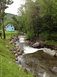 Architecture – Enjoy the Great Outdoors! Country Farm, Country Life, Country Living, Beautiful World, Beautiful Places, Lake George Village, Romantic Places, Green Mountain, Beautiful Landscapes