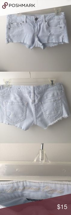 ✨NWOT AE Shorts Never worn! Super light wash and low rise short shorts. Frayed bottoms. These are really soft and stretchy! American Eagle Outfitters Shorts Jean Shorts