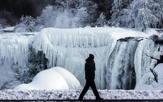 Parcialmente congeladas parte de las Cataratas del Niagara, Ontario como efectos de la tormenta invernal. M Blinch 3/3/2014