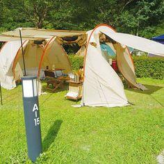 ・ 真夏のキャンプはインナーテント無しでいけちゃいますね 今回のキャンプはタープ無しのカマボコテントのみ‼️ フルオープンにすると風が通って気持ちいいです ・ カマボコテントは四季を通して、本当に使い勝手がいい このテントが人気な訳が分かるわ〜 ・ 陽の当たり方次第で、追加ポールの高さを高くしたり低くしたりして調整しています ・ ・ #キャンプ #アウトドア #おしゃキャン #おしゃれキャンプ #ソトアソビ #バーベキュー #お外あそび #キャンパー #おしゃれキャンパー #camphack取材 #camp #outdoor #bbq #camping #outingstylejp #キャンプ用品 #キャンプ初心者 #ドッペルギャンガー #カマボコテント #大見いこいの広場
