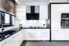 Znalezione obrazy dla zapytania przestrzeń nad szafkami kuchennymi