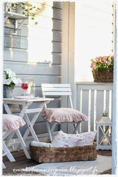 Oma koti onnenpesä: Kesäinen vilvoitteluterassi