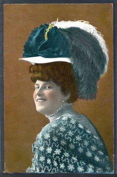 PF033 FEMME MODE CHAPEAU EDWARDIAN LADY FEATHER HAT FASHION Tinted PHOTO pc 1909