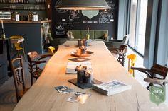 ZWAARTAFELEN I Inspiratie trends interieur/interior 2017 I Prachtige meterslange boomstamtafel van rustiek eiken voor thuis of in de horeca I www.zwaartafelen.nl