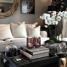 Living room table centerpieces table decorations for home home decorating ideas coffee table decorations how to . Cute Dorm Rooms, Cool Rooms, Cheap Home Decor, Diy Home Decor, Living Room Designs, Living Room Decor, Diy Casa, Victorian Decor, Diy Interior