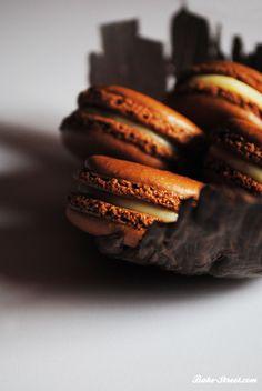 Chocolate & Orujo cream macarons - Macarons de Chocolate y Crema de Orujo
