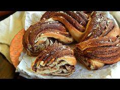 """Una deliciosa variante a la tradicional rosca de pascua, rellena con nutella y con una presentación muy particular!Esta rosca trenzada posee una consistencia ideal y un sabor increíble, definitivamente se va a convertir en tu favorita. Una receta muy similar al """"Babka"""" en cuanto a técnica e ingredientes, pero en… Braided Nutella Bread, Ricotta, Sweet Dough, Easter Recipes, Sweet Bread, Pain, Bread Recipes, Tasty, Homemade"""