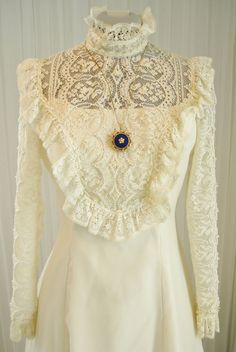 Vintage70's Prairie/Western/Victorian/Edwardian Ecru Lace and Chiffon Wedding Dress