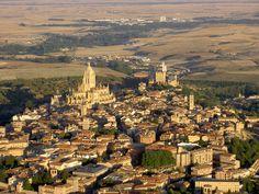 Vista-aerea-general-de-Segovia - Segovia - Wikipedia, la enciclopedia libre