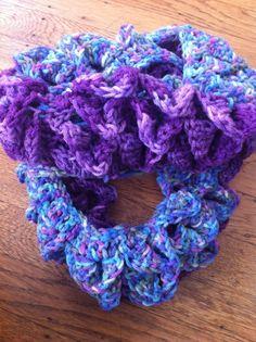 #Crochet Cowl in Crocodile Stitch