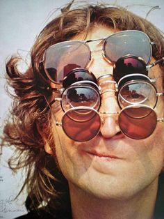 Alla ricerca degli occhiali tondi spesso indossati da #JohnLennon? Su #empitalia li trovate!