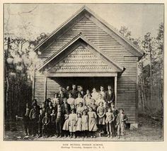 In the Croatan Indians of Sampson County issued a plea for an Indian School for their children as had been provided in Robeson County. Native American Ancestry, Native American Photos, Native American History, Photographs Of People, Vintage Photographs, Roanoke Colony, Old School House, School Days, World History