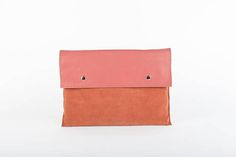 This laptop envelope sleeve is a stylish way to protect your 15 inch laptop, but also transforms into a super elegant over sized envelope-style clutch for night.  This sleeve is the perfect style upgrade while keeping it safe from scratches and dust.  It is made out of perforated pink suede and matte high quality italian leather, hand sewed with green thread and lined with black sponge, for extra protection to your device.  Comes with a front side external pocket.  Sleeve size: Height: 40... Pink Laptop, Pink Envelopes, Womens Tote Bags, Italian Leather, Leather Craft, Laptop Sleeves, Blush Pink, Hand Sewing, Purses And Bags