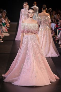 May 2020 - Georges Hobeika at Couture Fall 2018 - Runway Photos Lehenga Designs, Latest Lehnga Designs, Indian Wedding Outfits, Bridal Outfits, Bridal Dresses, Couture Mode, Style Couture, Dress Couture, Georges Hobeika