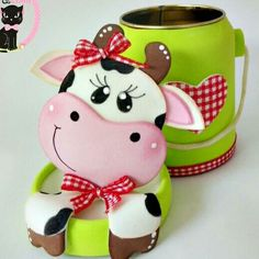 Resultado de imagen para vaquitas tiernas de foami Tin Can Crafts, Foam Crafts, Diy And Crafts, Arts And Crafts, Decoupage Jars, Cow Craft, Cow Pattern, Painting Patterns, Party Favors