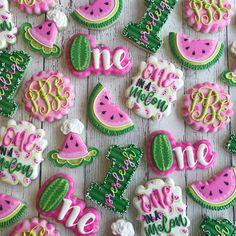 Einer in einer Melone ! Watermelon Birthday Parties, 1st Birthday Party For Girls, First Birthday Party Themes, First Birthday Decorations, Baby First Birthday, Birthday Ideas, Themed Birthday Parties, Watermelon Cookies, One In A Melon
