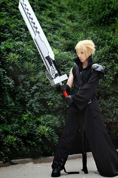 Cloud Strife - Final Fantasy VII: Advent Children #cosplay