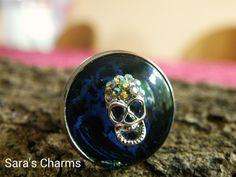 Ring crackle blau schwarz mit Totenkopfoverlay von Sara´s Charms auf DaWanda.com