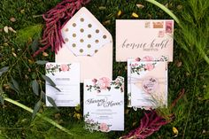 Beautiful wedding invitation design by Archer and Olive in Austin Texas - Photography by Twin Lens Weddings in Austin & Milwaukee #austinweddingphotography #weddinginvitation #weddinginspiration #twinlensweddings