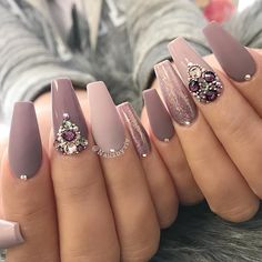 What you need to know about acrylic nails - My Nails Chic Nails, Stylish Nails, Toe Nails, Pink Nails, Coffin Nails, Mauve Nails, Ballerina Nails, Luxury Nails, Best Acrylic Nails