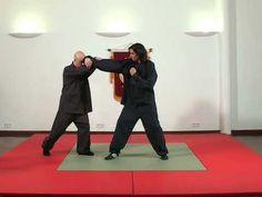 Tai Chi - Técnicas de Defensa Personal - YouTube Reiki Meditation, Meditation Music, Tai Chi, Karate, Michelle Lewin, Ronda Rousey, Boxing Workout, Wing Chun, Aikido