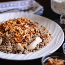Lebanese Rice with Chicken - Simply Lebanese Lebanese Desserts, Lebanese Cuisine, Lebanese Recipes, Armenian Recipes, Arabic Recipes, Ground Beef Rice, Beef And Rice, Beef Recipes, Chicken Recipes