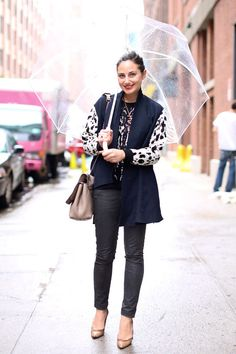 Umbrella The Rain Room: Street Style Resort 2014 High Street Fashion, Street Style 2014, Street Style Looks, Street Chic, Street Style Women, Everyday Outfits, Everyday Fashion, Spring Summer Fashion, Autumn Fashion