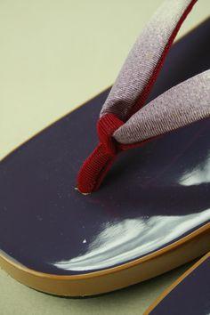 Purple ukon geta shoes / カジュアルお洒落に 紫色 あられ柄にグラデーション鼻緒の右近下駄
