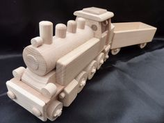 HolzSpielzeug Eisenbahn Dampf-Lokomotive. 47.99 €
