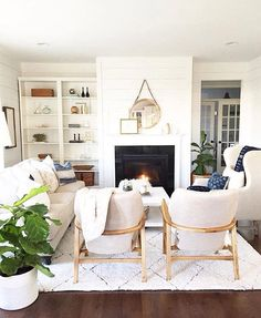I was asked by @graceinmagnolias to share a living space that inspires me and I have to say that this is one of my favorites from @housesevenblog. Actually I'm in love with her whole entire house . I love the way she captures her style with a glimpse of family life. It feels so natural and authentic (in a not so #socality kind of way ). I'm inspired every time I see her post. Have you shared yet @michelle_janeen @paigemcewen_amodernrustichome ? #styled2inspire #myhousecrushmonday (a day l...