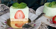 Strawberry, basil, cake Isadora Duncan