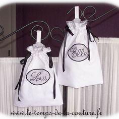 """Duo de sac pochon lingerie – tons de blanc et noir brodé """"elle"""" et """"lui"""" – fait…"""