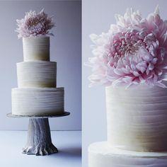 Textured Buttercream #wedding #weddingcake #buttercream #mum #lavender #tree #cake #cakes #instacakers #bridal #vanilla #bridebook #almond #saintsimonsisland #chrysanthemum #chocolate #love #swissmeringuebuttercream #yummy #brides #pink #flower #pretty 📷@studio.essie