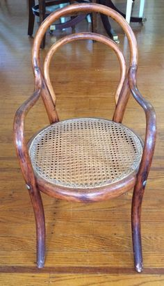 ANTIQUE THONET INSPIRED CHILD/DOLL BENTWOOD CHAIR ~ Re Caned ~ PICKUP 21229